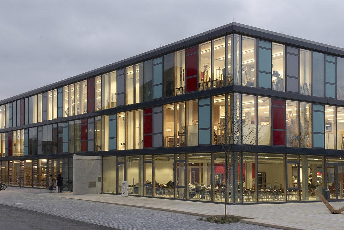 TH OWL facade21 Design versus Development