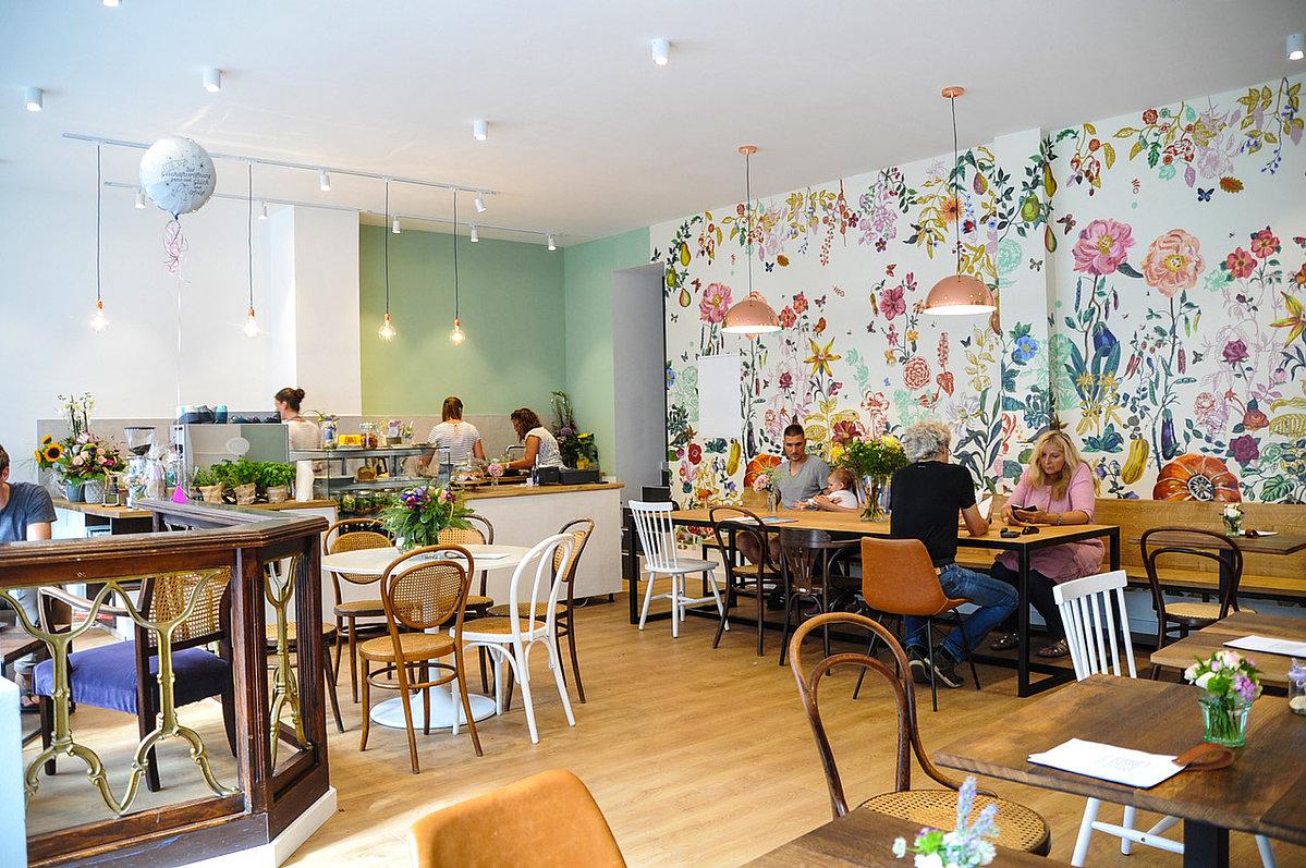 Realisierung Entwurf für ein Café erfolgreich umgesetzt ...